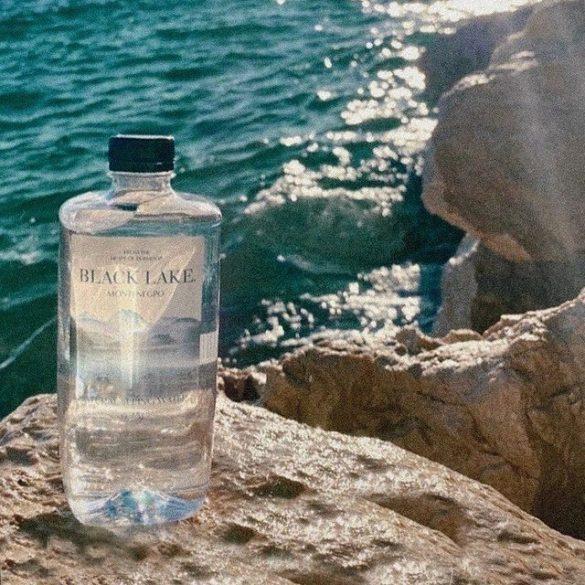 Black Lake forrásvíz 0,33l PET palackban