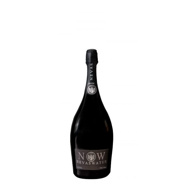 Nevas Water- Premium Cuvée Water 0,75l LUXUS sparkling water in glass