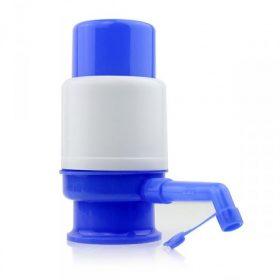Manual water dispenser