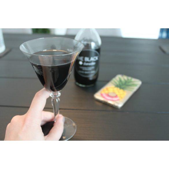 The Black Starwater 0,33l  fekete ásványviz üvegben